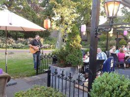 edgar-smit-live-bij-cafe-wielens-juli-2013